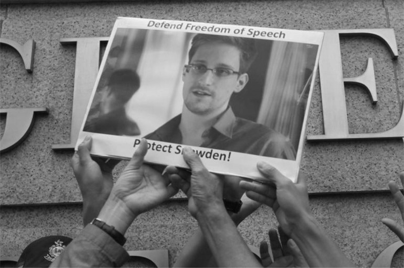 photo-edward-snowden